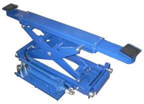 Quality Lifts – Rolling Jack – Lifting Capacity 4,500 lbs.